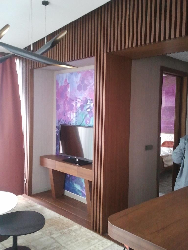 Suit odada üretilen bütün ürünler Bostan mobilya imalatıdır.