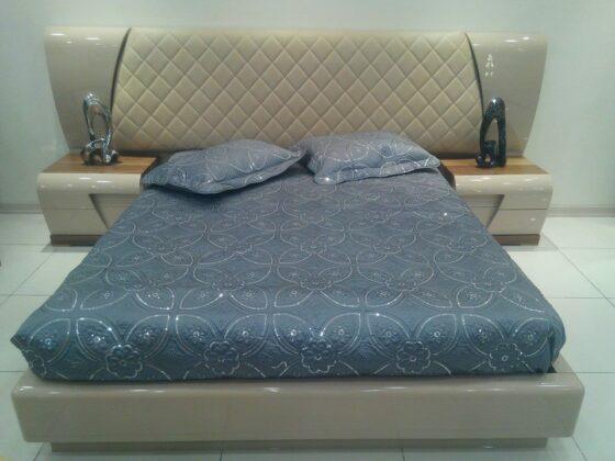 Alan Mobilya Masarati Yatak Odası Takımı,Karacakaya caddesi no:194 no'lu adreste bulabileceğiniz Masarati yatak odası değişik ölçülerde üretim olanağı vardır,son derece kaliteli ve kullanışlıdır,modern yatak odası,dolap iç dizayn değişebilir,karyola bazalı olabilir.Kapiçino rengi veya farklı bir renk yapılabilir.