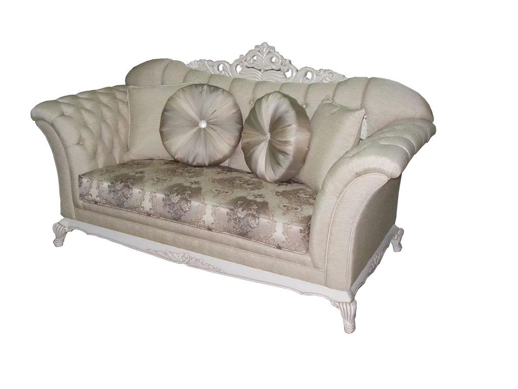 İtalyan klasik koltuk takımı,klasik mobilya sevenler için güzel bir model Bostan Mobilyadan,oyma kısımlarının az olması ve kumaş ile cila renginin uyumu gerçekten çok güzel sizler için ,ürünün diğer parçaları için lütfen iletişime geçiniz.