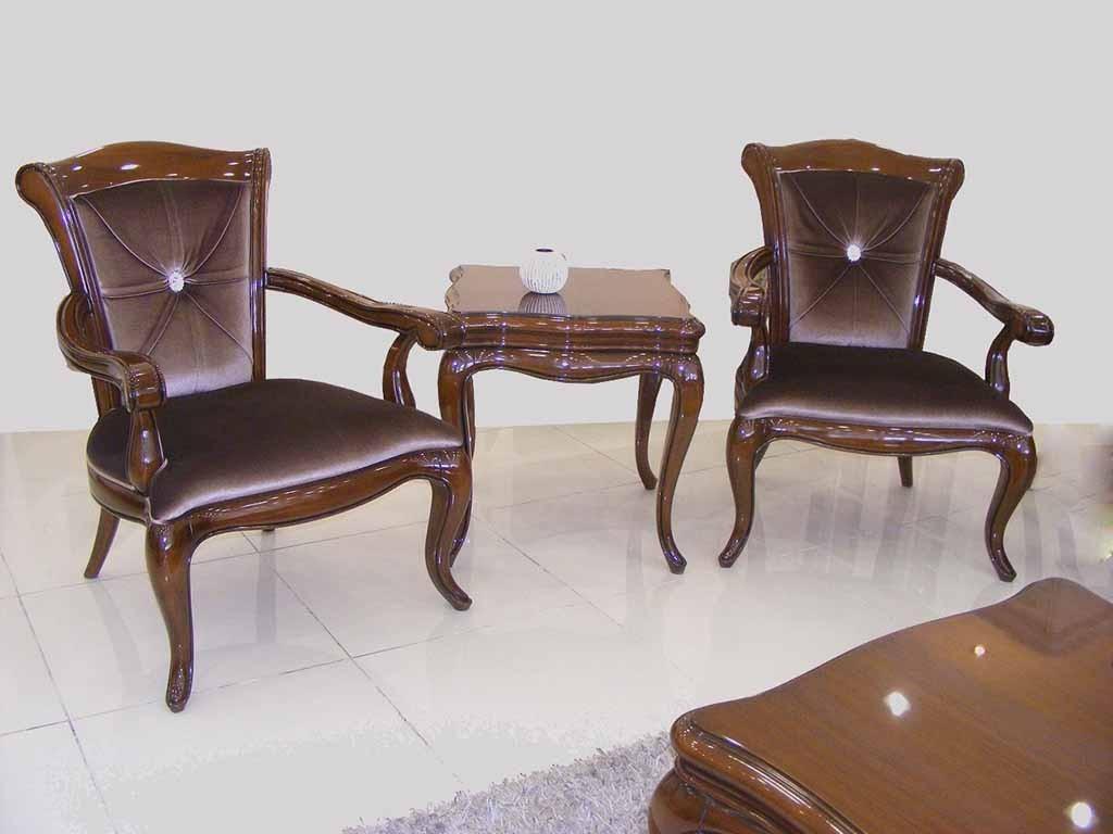 Bostan mobilya klasik koltuk takımı son derece şık ve kullanışlı sade fakat zarif mobilya sevenler için son derece kullanışlı,Ankara siteler bostan mobilya'da bulacağınız klasik koltuk takımı sizler için üretildi,mat cila,lake cila,istenilen renk yapılabilir,farklı kumaş kaplanılabilir.
