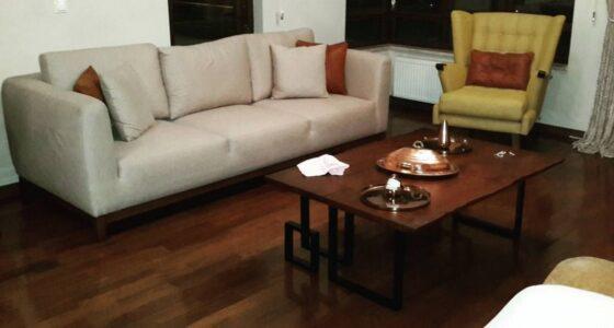 Ankara imalatı masif mobilya ile chester koltuk takımı ve chesterfield oldukça uyumlu olduğunun kanıtı olan oldukça kaliteli ve sağlam mobilyalar olarak karşımızda , masif ceviz mobilya ve chester koltuk takımı