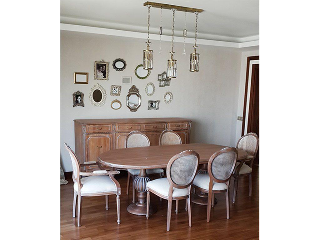 masif klasik ağaç yemek odası