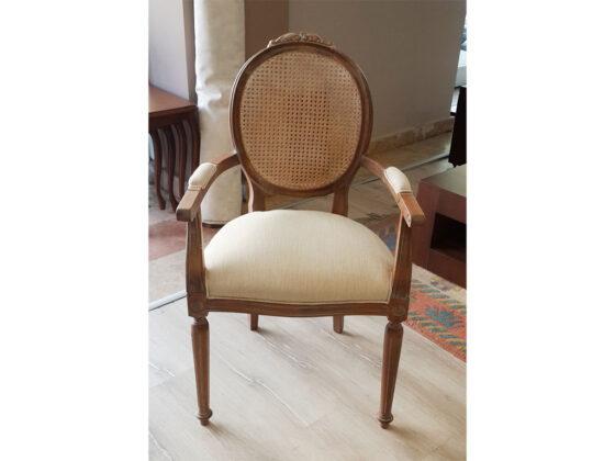 Klasik masif mobilya , hasırlı sandalye , Ankara Klasik Mobilya , elips masa , torna ayaklı masa , yuvarlak klasik masa , elips klasik masa