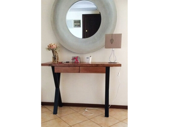 masif-cam-dresuar , eskitme masif ağaç dresuar , kaliteli ağaç mobilya , ultra modern ceviz mobilya , masif ev mobilyası