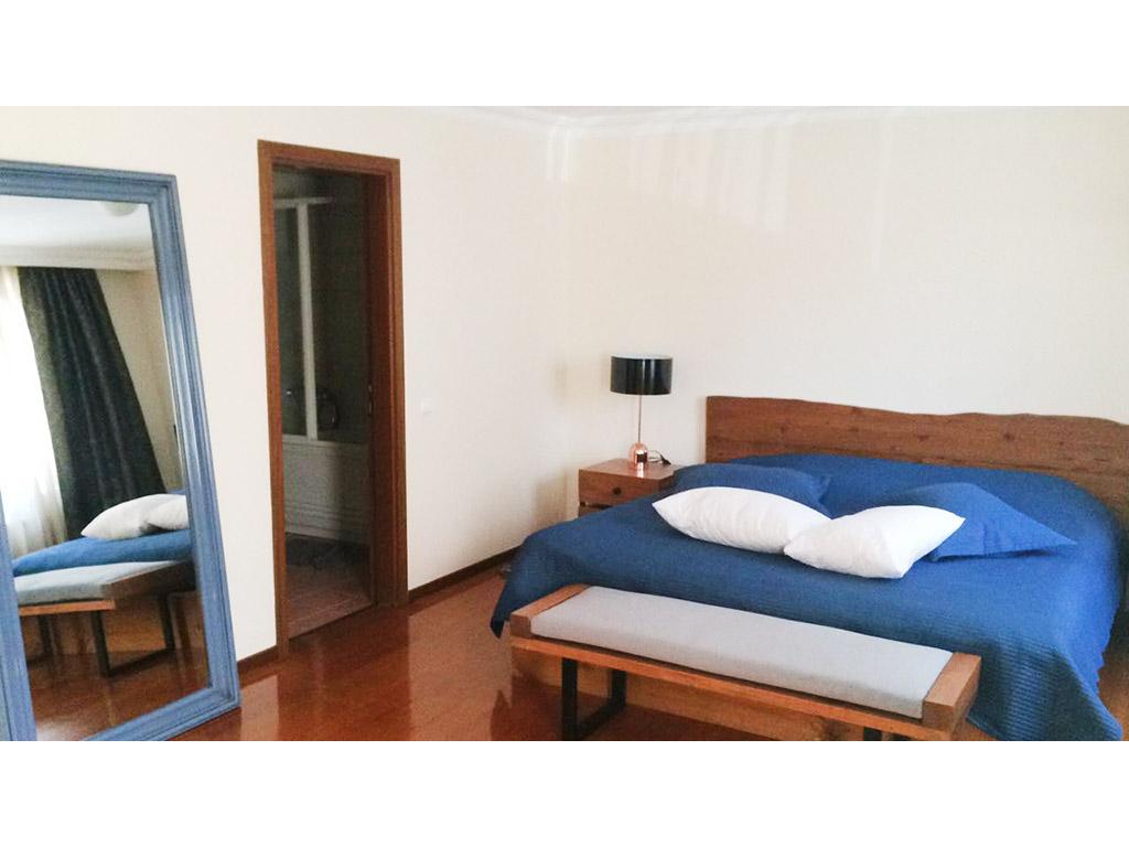 Ankara İstanbul Masif yatak odası takımı , eskitme çam , kaliteli ceviz mobilya , masif yatak odası , ultra modern mobilyalar , kaliteli yatak odası